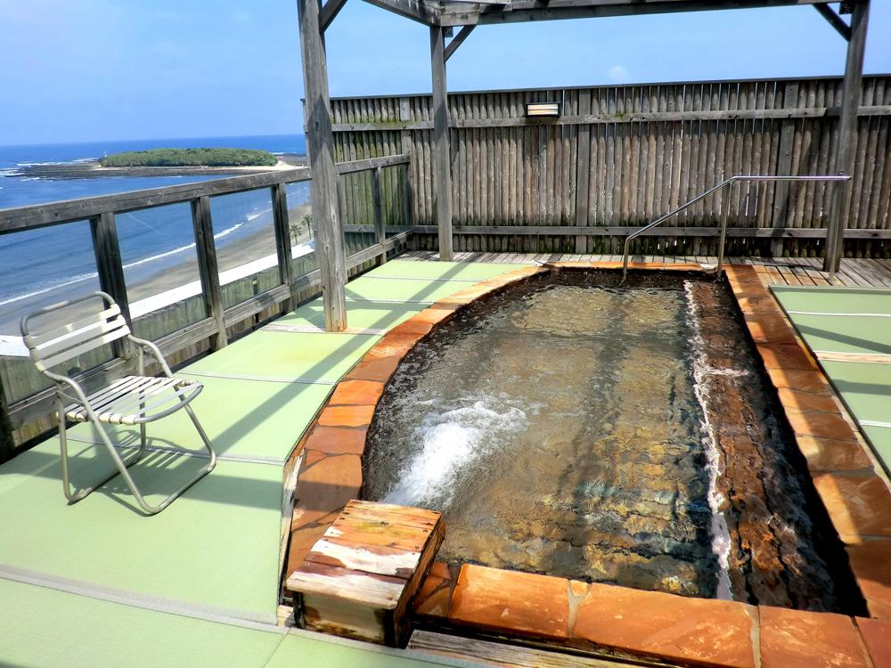 青島グランドホテル 屋上階展望大露天「輝潮」